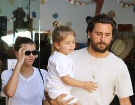 Scott Disick đưa bạn gái và con riêng đi mua sắm