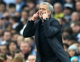 """HLV Mourinho: """"Đừng nói Man City vô địch vì MU thất bại"""""""