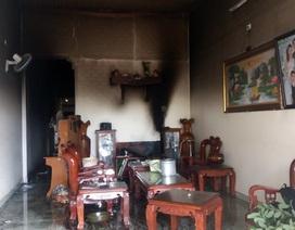 3 mẹ con cô giáo bỏng nặng trong căn nhà không lối thoát