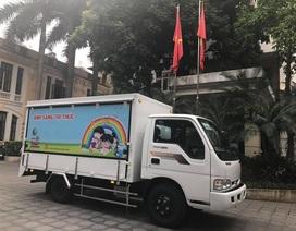 Bộ Văn hoá trao tặng ô tô thư viện lưu động đa phương tiện cho 8 tỉnh
