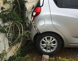 Sơn La: Giáo viên lùi ô tô bất cẩn khiến một học sinh thiệt mạng