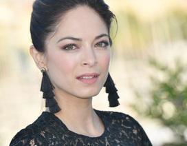 """Sự hoang mang của tuổi trẻ đã khiến nữ diễn viên """"Smallville"""" tìm tới """"giáo phái tình dục"""""""