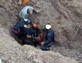 Hai vợ chồng bị vùi sâu dưới lớp đất đá được cứu sống thần kỳ