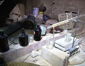 Bên trong kho vũ khí hóa học của phiến quân tại Syria