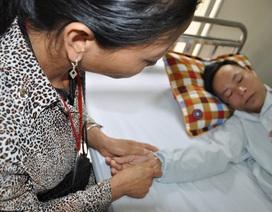 Thiếu 50 triệu đồng, vợ ngậm ngùi xin bác sĩ cho chồng về nhà để chết