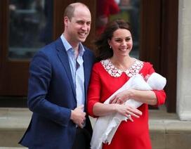 Hình ảnh đầu tiên về Hoàng tử bé vừa chào đời của Hoàng gia Anh