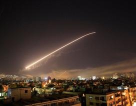 """Nga trưng bày hai tên lửa """"xịt"""" của Mỹ trong vụ không kích Syria"""