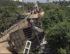 Cận cảnh hiện trường vụ xe 18 tấn làm sập cầu tải trọng dưới 5 tấn