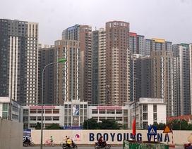 Hình ảnh cao ốc dày đặc bên những tuyến đường ùn tắc ở Hà Nội