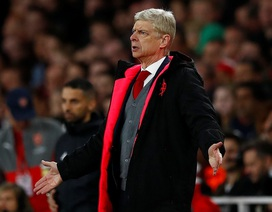 """HLV Wenger: """"Chơi hơn người là bất lợi của Arsenal"""""""