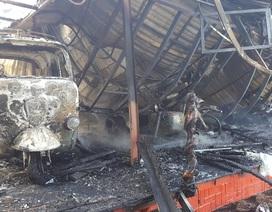 10 chiếc xe cổ cháy rụi trong quán cà phê ở Đà Lạt