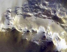 Bức ảnh màu đầu tiên chụp bề mặt sao Hỏa