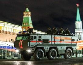 Cận cảnh dàn vũ khí Nga rầm rộ tập dượt trước lễ duyệt binh