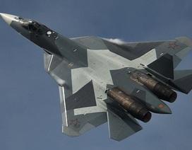 """Uy lực vượt trội của """"bóng ma bầu trời"""" Su-57"""