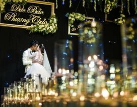 """MC Đức Bảo """"Chúng tôi là chiến sĩ"""" đắm đuối hôn sâu cô dâu trong lễ cưới"""