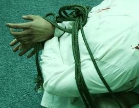 Một phụ nữ tổ chức bắt giữ người tình siết nợ, tống tiền