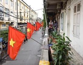 Hà Nội rợp cờ đỏ sao vàng kỷ niệm ngày thống nhất đất nước