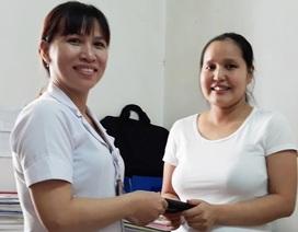 Nhặt được ví tiền trong bệnh viện, 2 nhân viên y tế tìm người trả lại