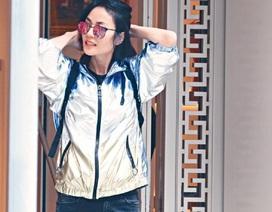 48 tuổi, Vương Phi trẻ đẹp như gái đôi mươi nhờ tình yêu của Tạ Đình Phong