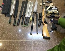 Vụ 2 cha con bị trúng đạn: Thu giữ nhiều vũ khí cạnh nhà nạn nhân