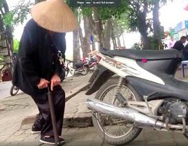 Cụ bà 90 tuổi vá xe nhanh thoăn thoắt trên phố Hà Nội