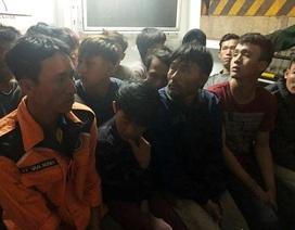 Vụ 2 tàu cá bị tàu lạ đâm chìm: 19 thuyền viên được đưa vào bờ