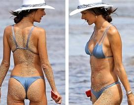 Siêu mẫu Alessandra Ambrosio khoe dáng ở Hawaii với áo tắm hai mảnh