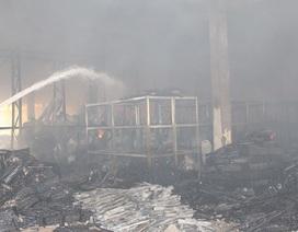 Hàng nghìn m2 nhà xưởng bị thiêu rụi sau đám cháy gần 10 tiếng