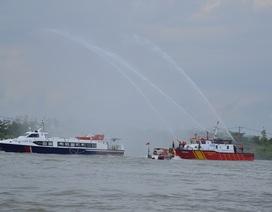 TPHCM: Tàu cao tốc chở 42 người gặp nạn tại Cần Giờ