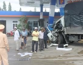 Ít nhất 7 người bị thương sau va chạm giữa xe khách và ô tô tải