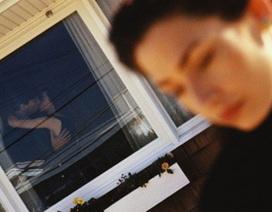 """Phát hiện chồng ngoại tình vì một """"kẽ hở"""" không giống ai"""