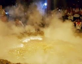 """Xuất hiện… """"miệng núi lửa"""" tại Festival Huế"""