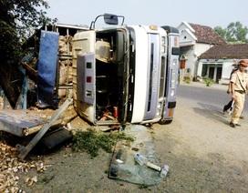 Tạm giữ tài xế xe tải gặp nạn khiến 8 người thương vong