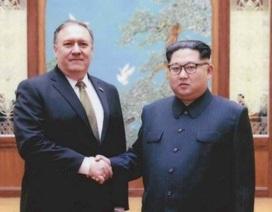 """13 giờ thương lượng """"cân não"""" của Ngoại trưởng Mỹ tại Triều Tiên"""