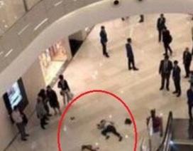 TQ: Nhảy từ tầng hai để tự tử, gây họa cho hai người bên dưới
