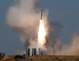 Syria bị tấn công tên lửa dồn dập, Nga bác tin cung cấp S-300