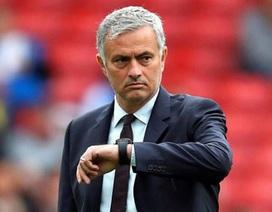 """MU """"tẻ nhạt"""" chưa từng thấy: Mourinho """"giết chết"""" sự sáng tạo?"""