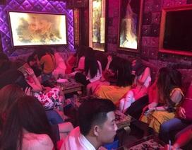 Cảnh sát đột kích nhà hàng thác loạn ở Sài Gòn
