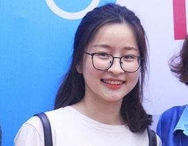 Những gương mặt sinh viên tươi tắn của ĐH Kinh tế trong Ngày hội việc làm
