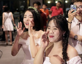 """Osad, Phương Ly """"thổi lửa"""" dạ hội của học sinh cuối cấp Chuyên Nguyễn Huệ"""