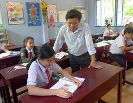 """Thầy giáo băng rừng """"gieo chữ"""" cho học sinh làng chài Phú Quốc"""