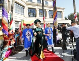 Áo dài Việt toả sáng Festival Áo dài tại Mỹ