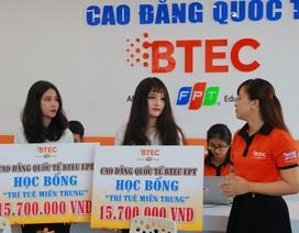 """BTEC FPT trao học bổng """"Trí tuệ miền Trung"""" trị giá gần 1 tỷ đồng"""