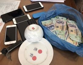 Hàng loạt con bạc vừa dính án cướp tài sản, trộm cắp sa lưới