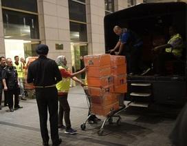 """Tìm thấy 72 vali tiền và """"kho"""" hàng hiệu trong nhà cựu Thủ tướng Malaysia"""