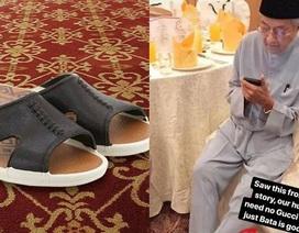 """Thủ tướng 92 tuổi của Malaysia gây """"sốt"""" với đôi dép bình dân"""