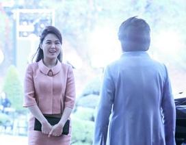Ẩn ý từ trang phục của Đệ nhất phu nhân Triều Tiên khi tới Hàn Quốc