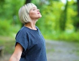 """Những kỹ thuật thở điều chỉnh tình trạng """"bốc hỏa"""" ở phụ nữ mãn kinh"""