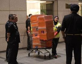 """Tiết lộ số tiền """"khủng"""" tịch thu trong nhà cựu Thủ tướng Malaysia"""