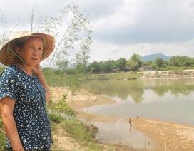 """Bình Định: Lo sông """"nuốt"""" nhà, dân phản đối khai thác cát!"""